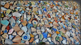 ... auf der Burg:Keramikscherben- sieht toll aus.