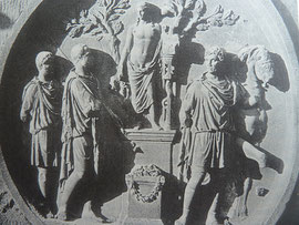 Konstantinsbogen: Opfer an Apollo