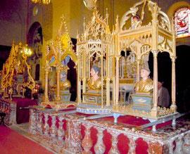 Bustes reliquaires prèts pour la procession journalière dans la 2ème semaine du mois de juin à Caunes-Minervois (Aude)