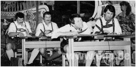 """Mit der """"Lausbubenschule"""" rissen Horst Huber (hinten l.), Karl Daschner (hinten r.), Josef Jakob (vorne l.) und Klaus Ragaller die Besucher bei der Inthronisation 1984 zu Beifallsstürmen hin."""