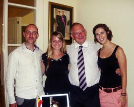 Jasmin & Carolin mit dem belgischen Botschafter und einem Mitorganisator des Presales