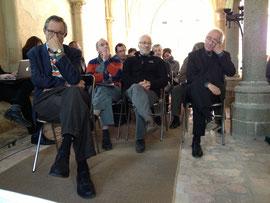 Un public attentif dans la salle capitulaire de l'abbaye d'Hambye