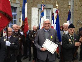 M.Martin vient de recevoir la médaille militaire pour ses faits d'arme