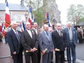 Les décorés et les élus aevc le Général Bariety et les représentants de l'UNACITA