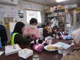 毛糸編みの方達