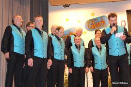 Männerchor mit neuer Uniform