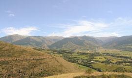 Un grand ciel bleu sur le massif du Puigmal