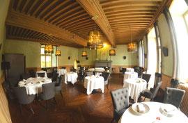 La très sereine salle-à-manger du château