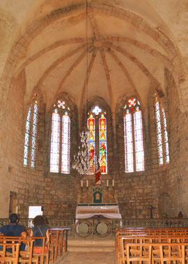 Eglise gothique aux nombreux accents romans