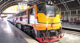 バンコク ファランポーン駅からチェンマイ駅へ