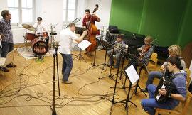 Die jungen Nachwuchstalente der Musikschule Krems bei den Aufnahmen zur CD. Foto: Stadt Krems.