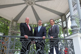 Bürgermeister Dr. Reinhard Resch, Direktor Günther Graf und Vizebürgermeiter Mag. Wolfgang Derler bei der Besichtigung des frisch sanierten Pavillons. Foto: Stadt Krems.
