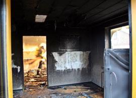 Verpuffung nach Wohnungsbrand. Foto: BFKDO Krems.