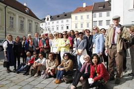 Rund 50 Guides aus NÖ, Wien und Oberösterreich erlebten beim Kremser Kultur & Tourismus Open einen interessanten und genussreichen Stadtrundgang. Foto: Stadt Krems.
