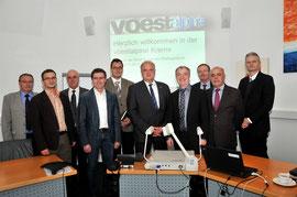 Voest-Vorstandschef Dr. Peter Schwab präsentiert der Stadtpolitik aktuelle Projekte. © Stadt Krems