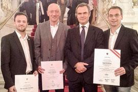Andreas Schlögl, Christopher Hummel und Patrick Schuch erhielten die Auszeichnung für den Staatlich geprüften Diplomtrainer. Foto: zVg