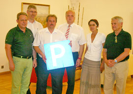 v. l.n.r.: Mag. Wolfgang Mahrer, Adolf Krumbholz, Alfred Scheichel, Bgm. Dr. Reinhard Resch, Adelheid Graf, Dipl. Ing. Werner Retter. Foto: WaPA