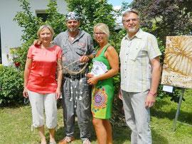 Bürgermeister Leopold Prohaska (rechts) und Gattin Kornelia (links) mit Manuela Leoni und Andreas Bauer-Leoni. Foto: zVg
