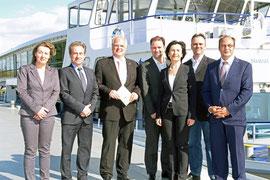 Von Links: Gabriela Hüther, Vizebgm. Mag. Wolfgang Derler, Bgm. Dr. Reinhard Resch, Mag. Bernhard Schröder, Mag. Barbara Brandner, Dr. Hemut Lammer und DI Wolfram Mosser-Brandner. Foto: Stadt Krems.