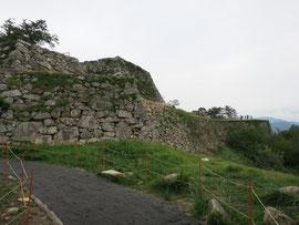 日本の天空の城マチュピチュと言われる竹田城の写真