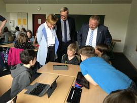 Besuch der Tabletklasse im Münnerstädter Schönborn-Gymnasium