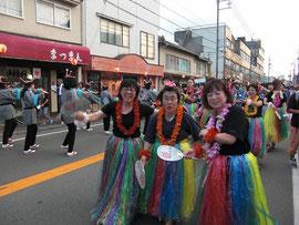 江の川祭りパレードの様子2