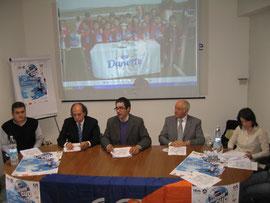 Alla conferenza stampa di presentazione presso la sala del Coni Calabria erano presenti il Prof Giovanni Filocamo Presidente del Coni di Reggio Calabria,il Presidente CSI Calabria Renzo Ambrogio e il Presidente del CONI Calabria Dott. Mimmo Praticò