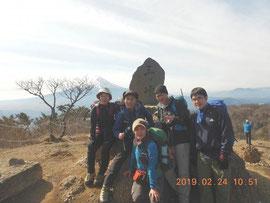 三ツ峠山山頂。富士山サイコー!。