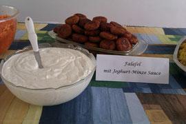 Falafel mit Joghurt-Minze-Sauce