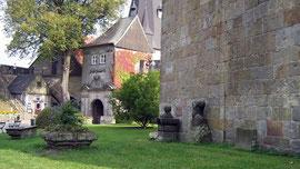 Burg Bentheim, das Burgtor vom Bergfried aus gesehen
