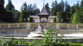Hermesvilla, Brunnen mit Genoveva und Reh