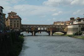 CLIQUEZ pour voir les PHOTOS de Florence