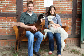 Wir mit den Fohlen Martha und Frida