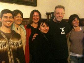 Hnas. y profes con León Gieco, cantautor argentino