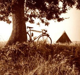 mein Zelt immer ganz nah bei den Bauernhäusern