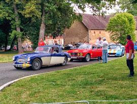 Les voitures s'élancent sur le circuit de Mornay.