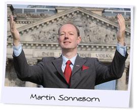"""Foto: dpa / Ex-""""Titanic""""-Chefredakteur und """"Partei""""-Gründer Martin Sonneborn"""