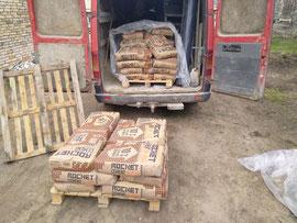 cementas grindų betonavimui