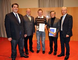 Ehrenurkunden für Heinz Wagner und Sebastian Baier