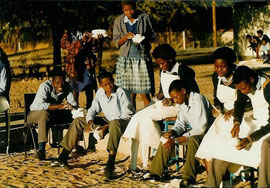 Ngambao CJSS sculpture students, 1995. Nicole Harper©