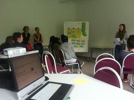 """Teilnehmer stellen ihre Projekte in der Werkstatt """"Fundraising"""" vor"""