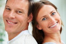 Zahnbrücken können einzelne oder mehrere Zähne festsitzend ersetzen (Zahnersatz Preise)