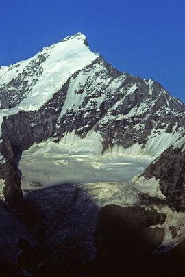 Täschhorn 4491 m von der Weisshornhütte mit SO-Grat rechts