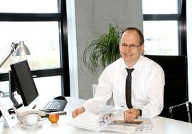 Achim Jungfleisch, Marketingleiter der Hager Vertriebsgesellschaft, im Gespräch mit BAUIDEE