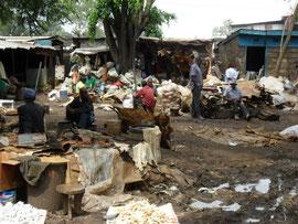 Slum in der Region Nairobi - Klicken zum Vergrößern