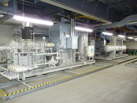 3階機械室のアンモニア冷凍機