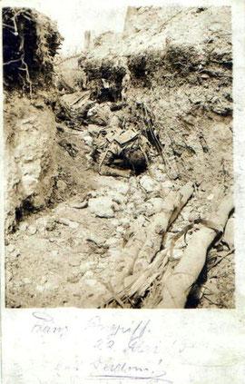 Gefallener Franzose in einem Schützengraben in Verdun (Archiv Arne B.)
