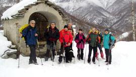 Foto di gruppo alla Cappella di Cimavalle m. 754