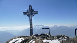 La croce di vetta del Sassariente