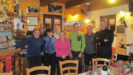 Foto di gruppo al termine della cena all' Agriturismo Alpe Crampiolo